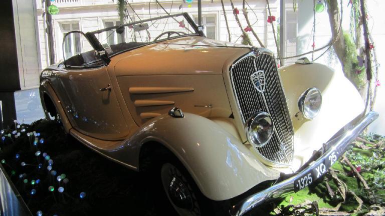 Old Peugeot roadster.
