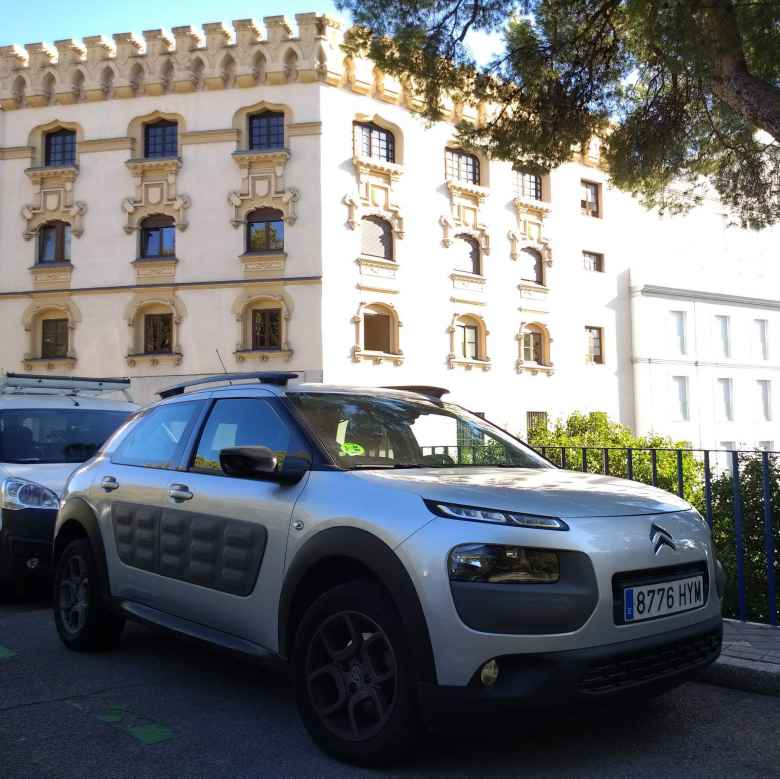 A silver 2015 Citroën Cactus C3 in Madrid.