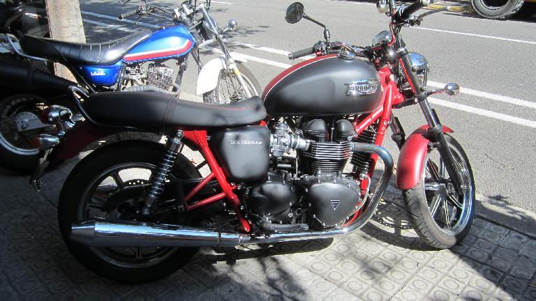 Triumph Bonneville.