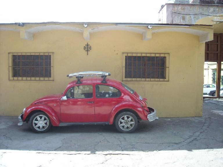 Another VW Beetle in Oaxaca. (December 17, 2009)
