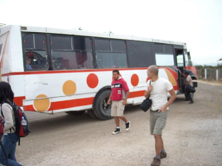 Ojudju, a random guy, and Widhar getting off the autobus de segundo clase in Teotitlan del Valle. (December 19, 2009)