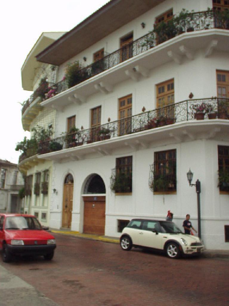 A Mini Cooper in Casco Viejo. (March 11, 2007)