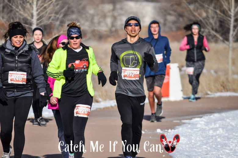Felix Wong passing women who got a three-minute head start in the 2019 Catch Me If You Can 5k.