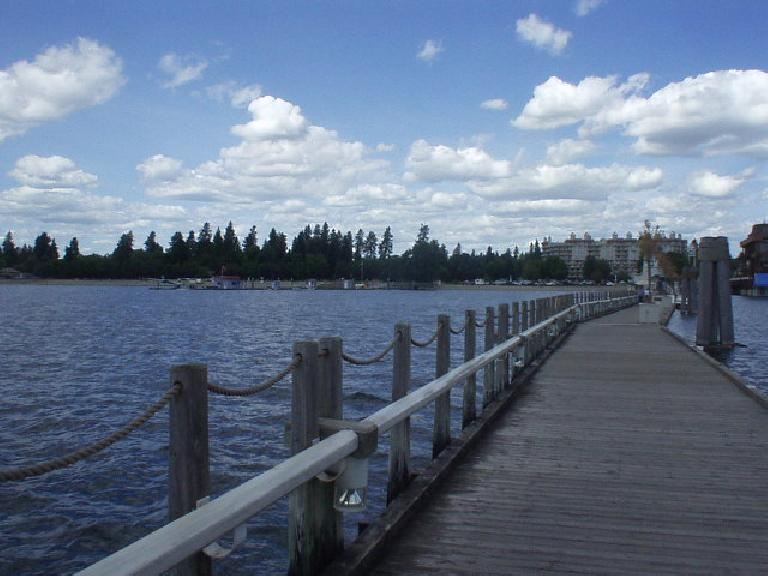 Lake Coeur d'Alene is always pretty.  Deborah and I had lunch here.