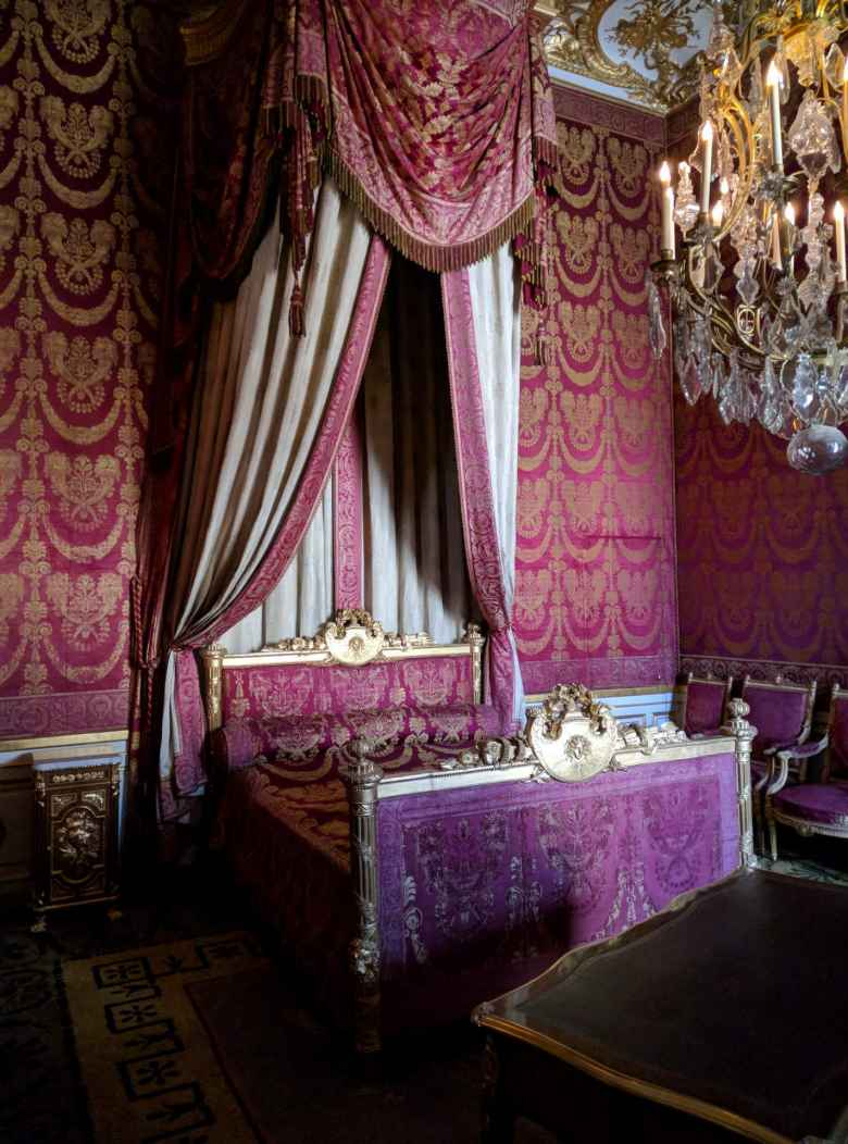 A bedroom inside the Château de Fontainbleau.