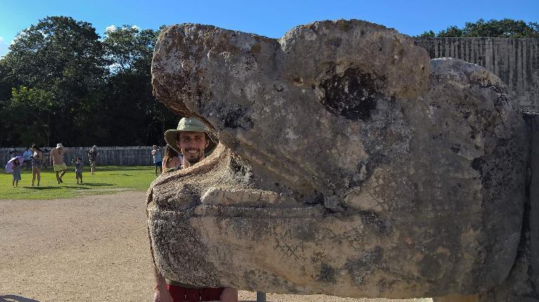 Alberto François, serpent's head, Chichén Itzá