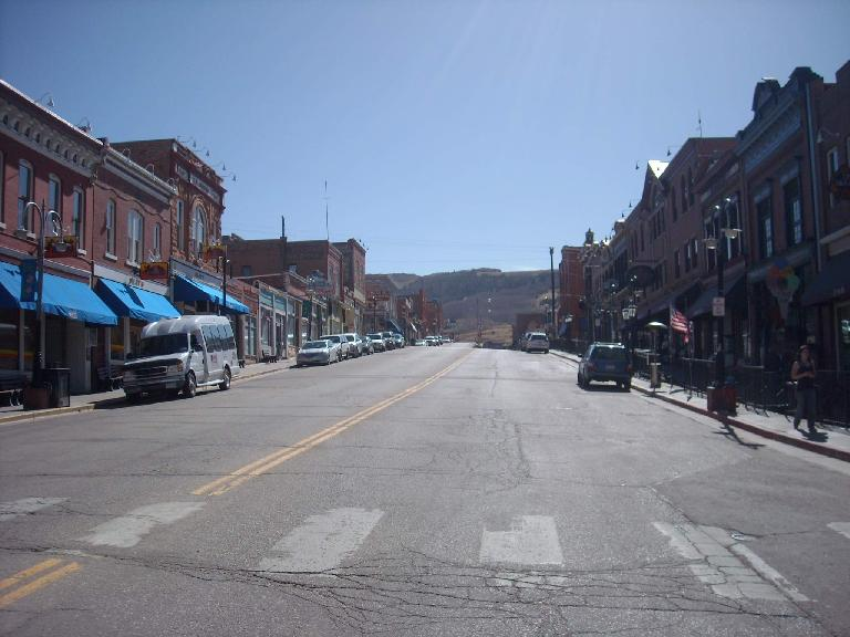 [Mile 49, 10:13 a.m.] Cripple Creek was a cute town.