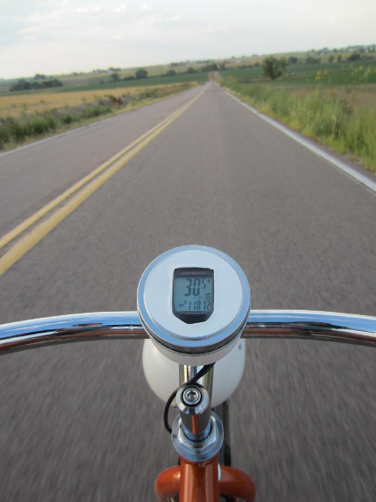 [Day 2, Mile ~270, 6:45 p.m.] Enjoying one of the few stretches the Huffster was able to go >30 MPH. (August 24, 2012)