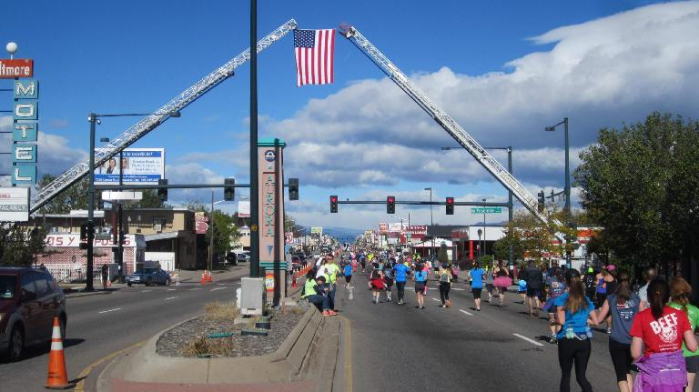 U.S. flag, runners on Colfax Ave., 2015 Colfax Half Marathon
