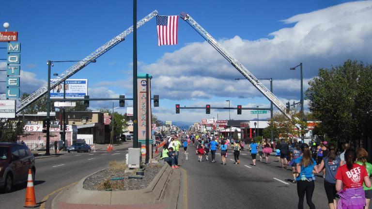 U.S. flag, runners on Colfax Ave., 2015 Colfax Half Marathon