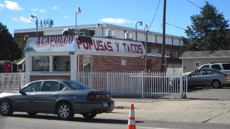 Acapulco pupusas y tacos