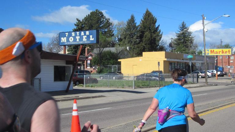 7 Star Motel, Colfax Ave., runners in 2015 Colfax Half Marathon