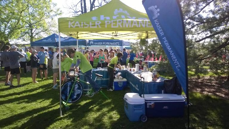 Kaiser Permanente tent, bicycle-powered smoothie
