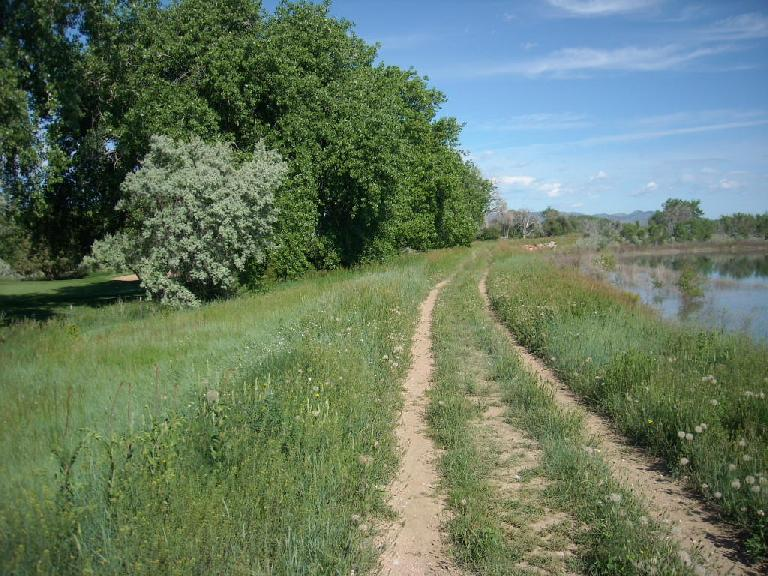 Continuing on the trail, which bisects the region between the country club and Richard's Lake...