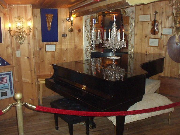 Korczak's grand piano sure dwarfed mine.