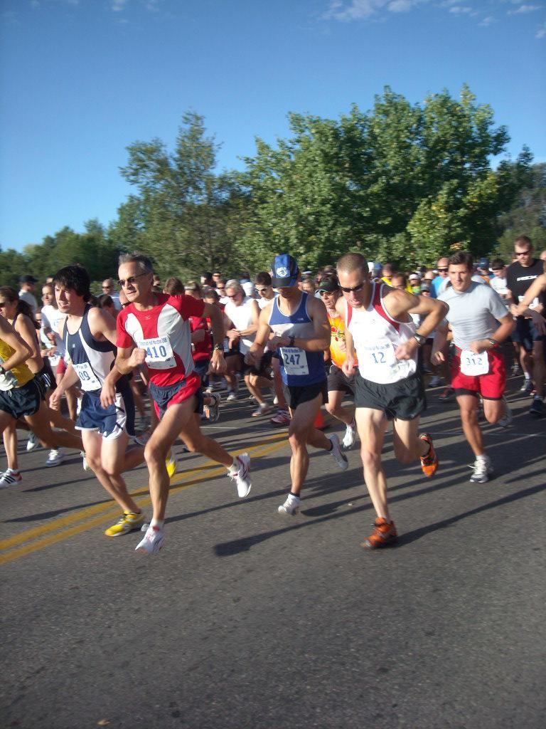 The race begins! Photo: Tanya Gallob.