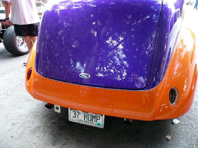 "License plate: ""37 HUMP"""