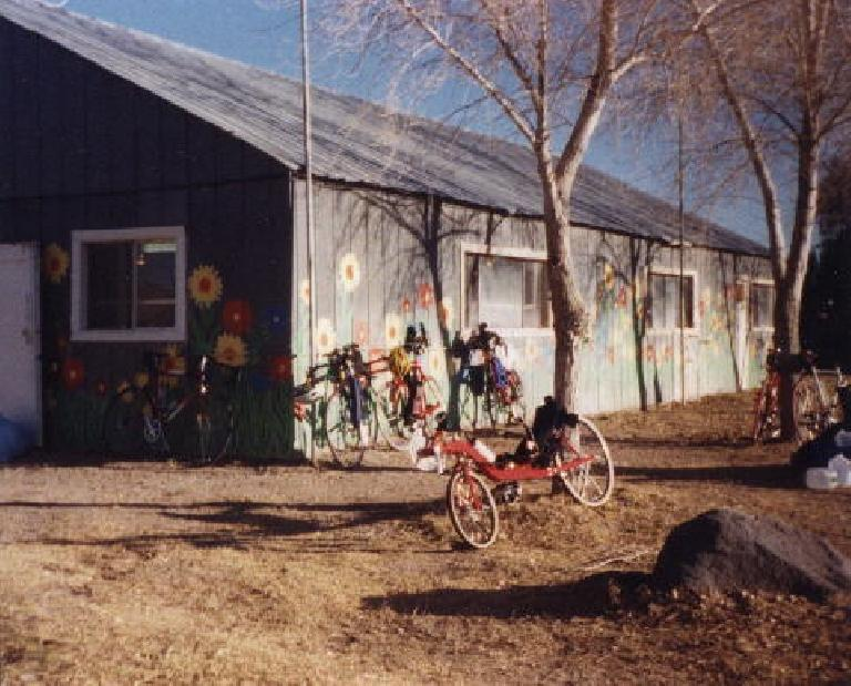 red Reynolds Wishbone recumbent, Shoshone rest stop, 2000 Death Valley Double Century
