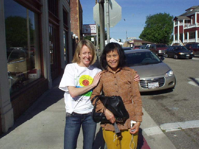 Deena Kastor with my mom.