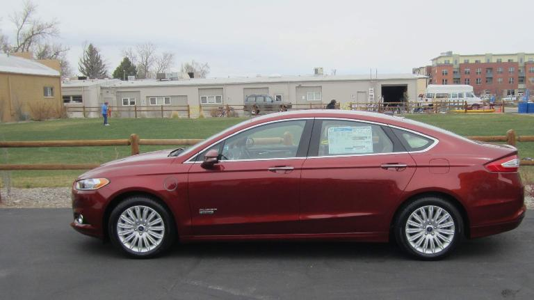 Side profile of the Ford Fusion Energi.