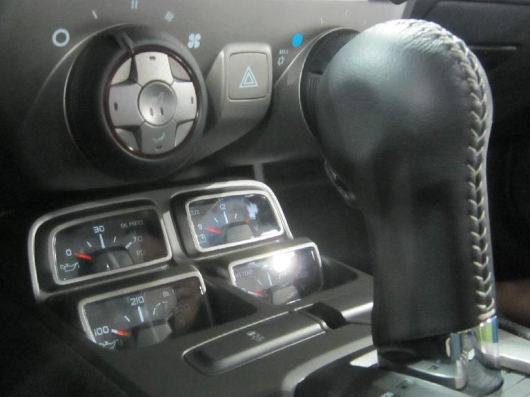 center console gauges, 2015 Chevrolet Camaro