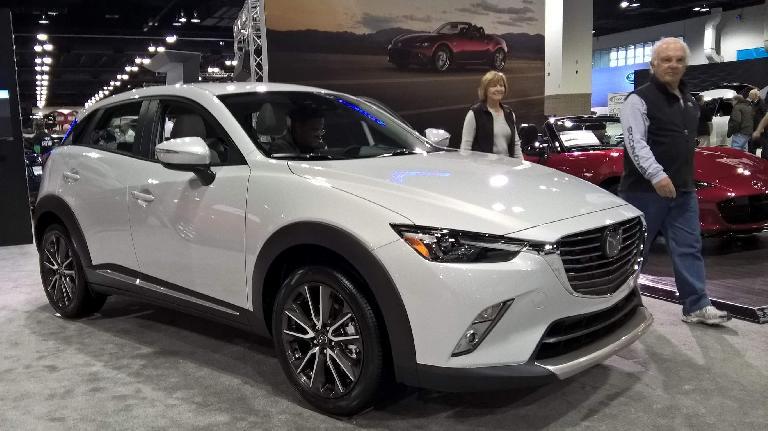 White 2016 Mazda CX-3.