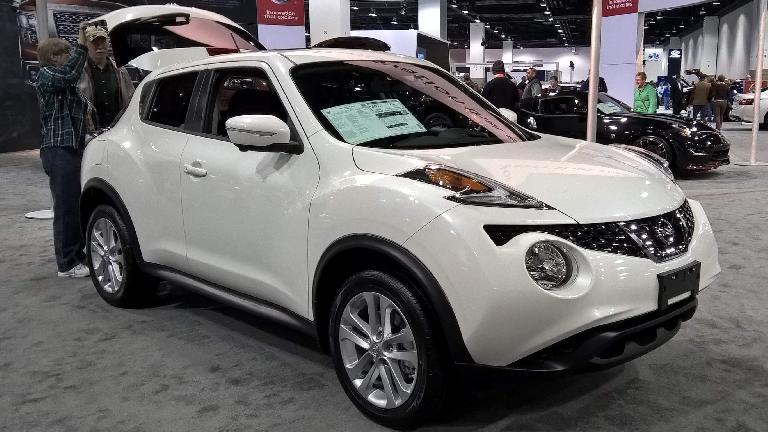 White 2016 Nissan Juke.