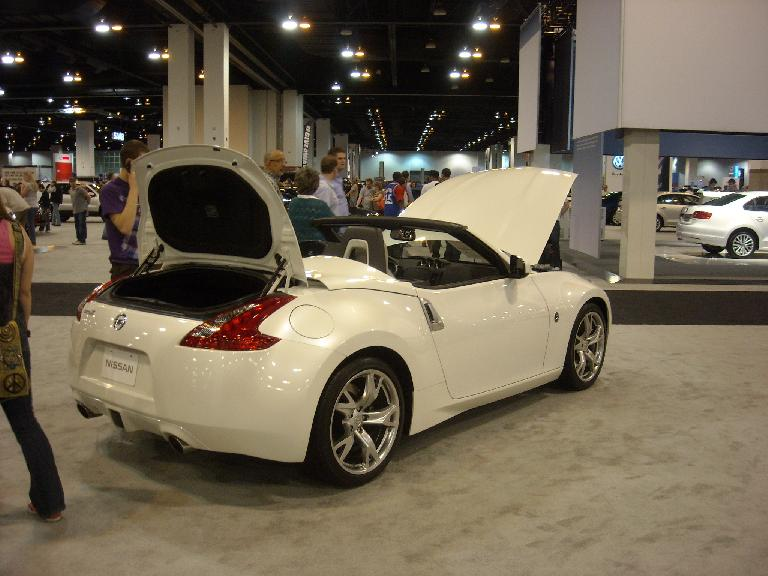 The Nissan 370Z Roadster, my favorite car of the show.