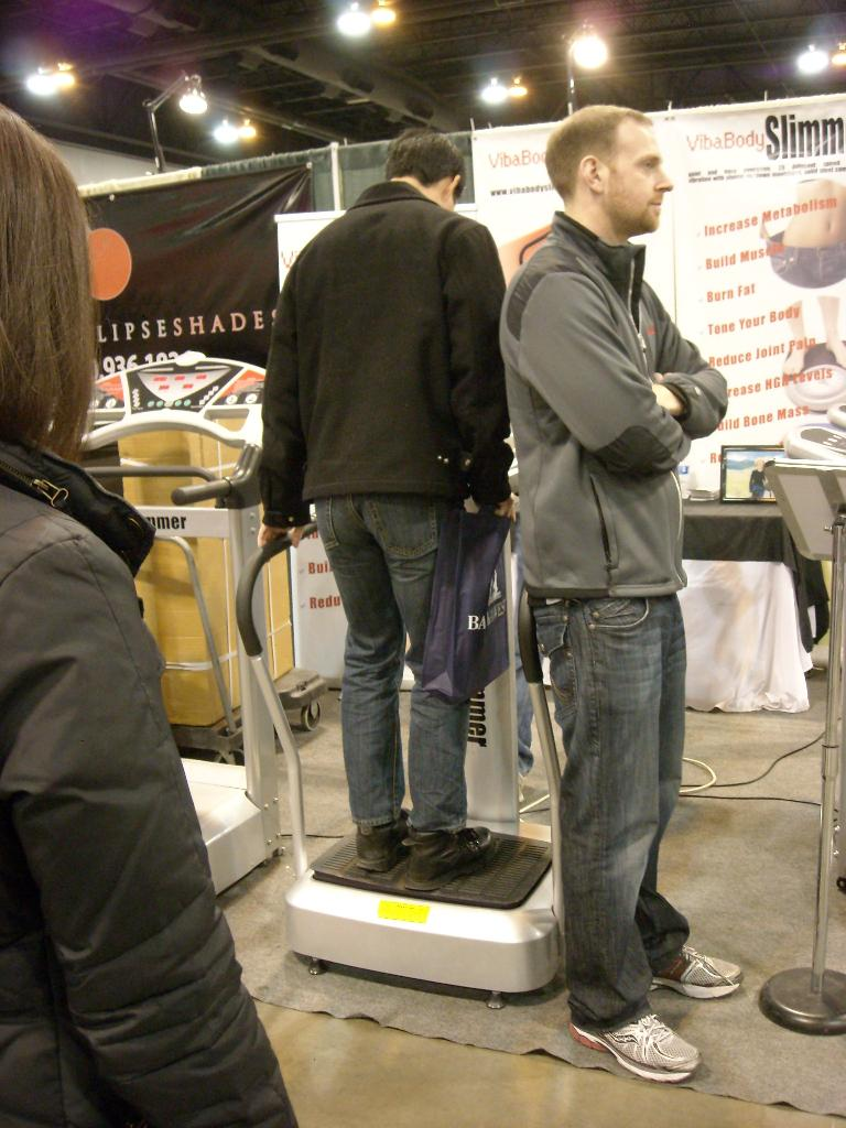 "I tried this ""Skinner"" device that by vibrating the legs was supposed to burn ""up to 1200 calories an hour."""