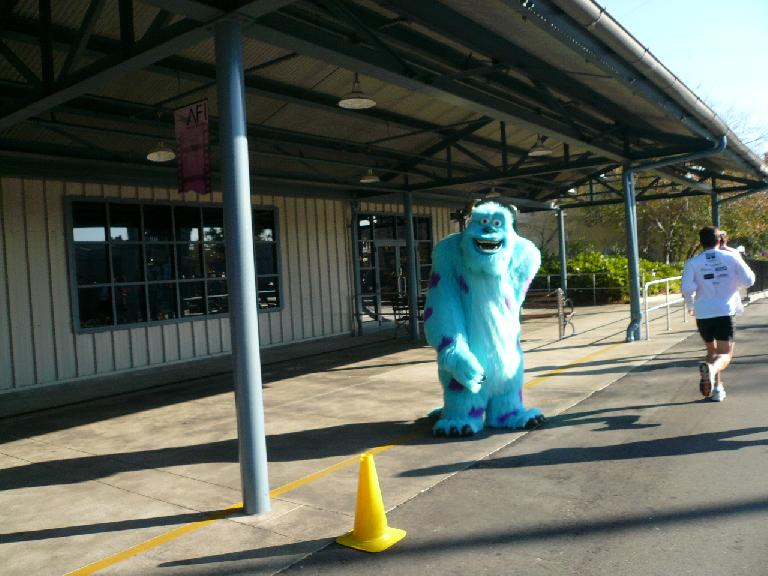 [Mile 23.3, 9:26a] Sulley from Monsters,  Inc.