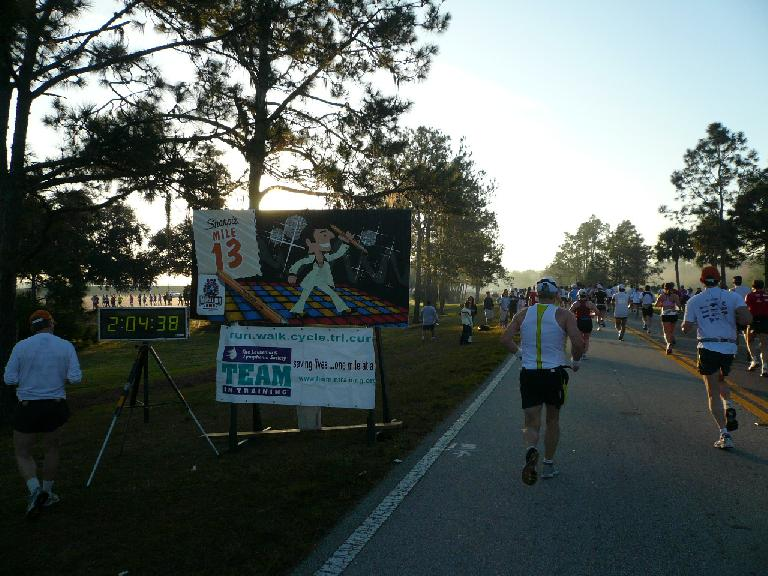 [Mile 13, 7:52 a.m.] Approaching the half-marathon point along Floridian Way.