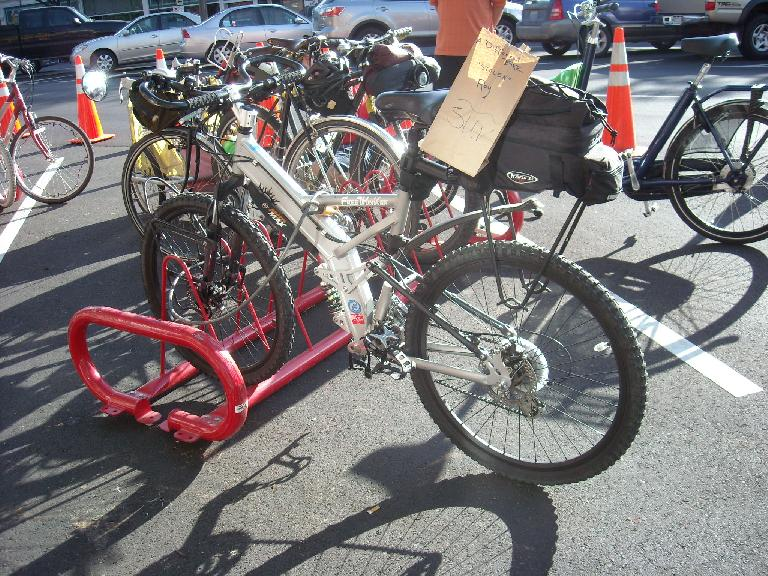 A full-suspension bicycle entered in the SUB (sport utility bicycle) category.