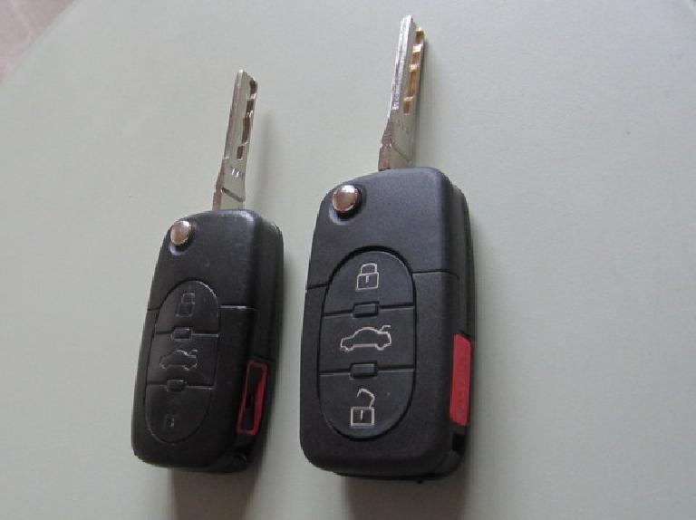 Audi TT original and duplicate key fobs