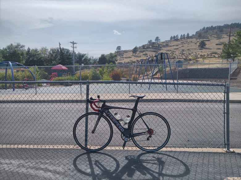 My black 2020 Litespeed Archon C2 at an elementary school in Loveland, Colorado.