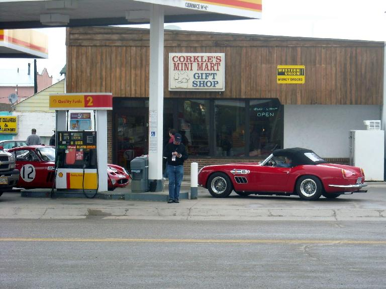 There were also these Ferraris doing a motoring tour.