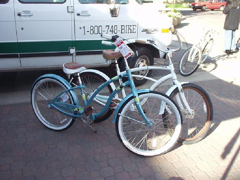 Some nice Trek cruiser bikes.