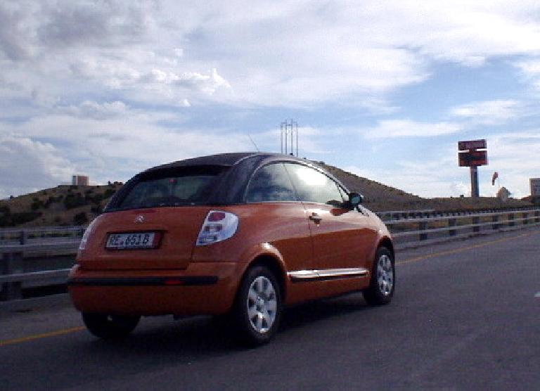 On the way to Flagstaff, I spotted this little French car -- a Citroen C3 Pluriel -- still with European plates.  Isn't it cute?