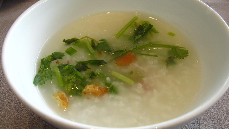 I had congee for breakfast (in addition to duck's blood noodle soup). (May 20, 2014)