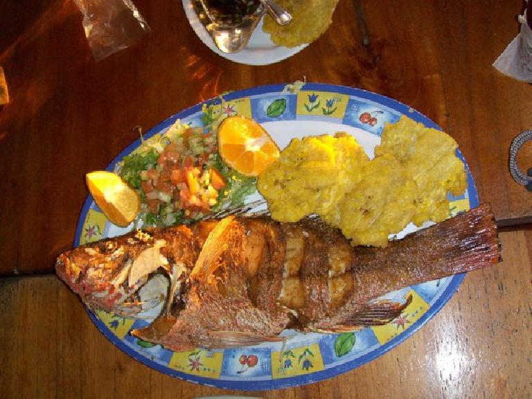 Fish with plantains.