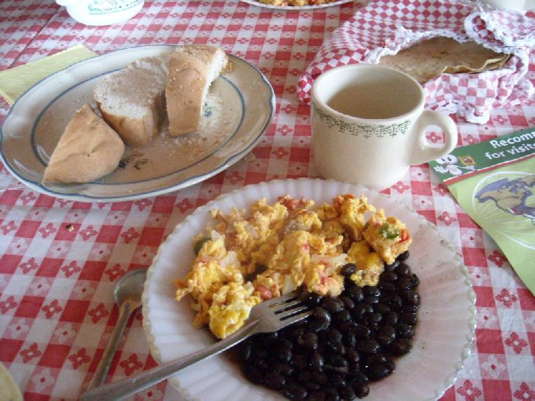 Bread, scrambled eggs, and black beans for breakfast at the restaurant in San Miguel Amatl (December 21, 2009)
