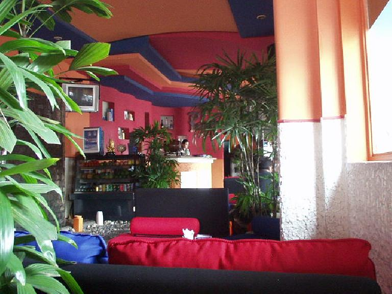 My favorite coffee shop in Saigon: the Blue Cafe of District 1. (July 12, 2006)