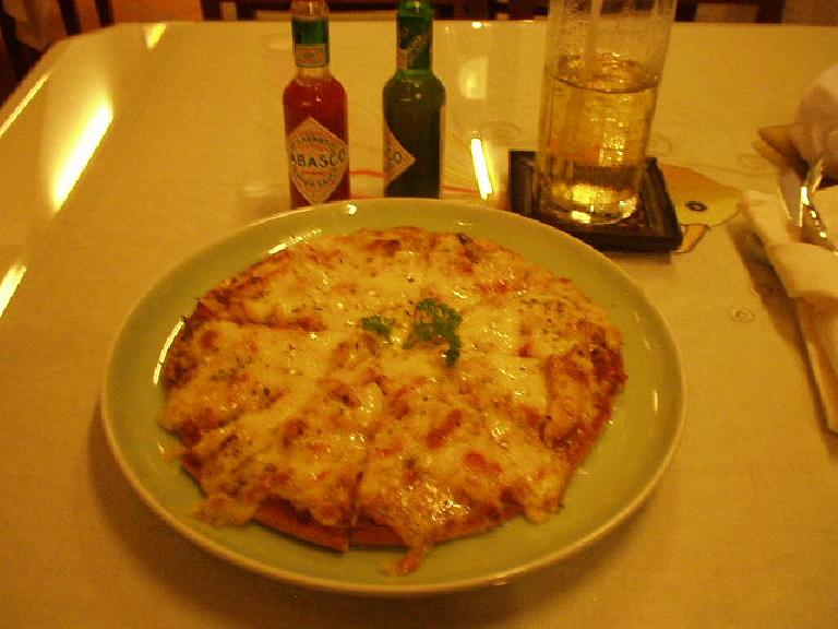 Asian pizza at Gold Fish, my favorite restaurant in Saigon. (July 12, 2006)