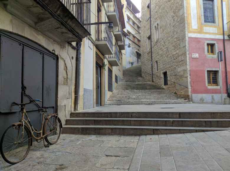 An old bike outside La Fábrica.