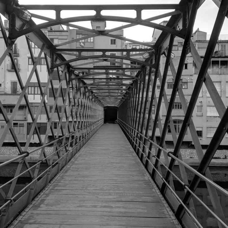 Puente de las Pescaderías Viejas (Bridge of the Old Fish Markets).