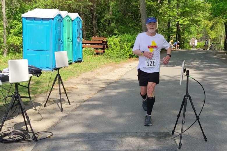 Bob Kennedy finishing the 2021 Granite State Marathon in 4:30:50.