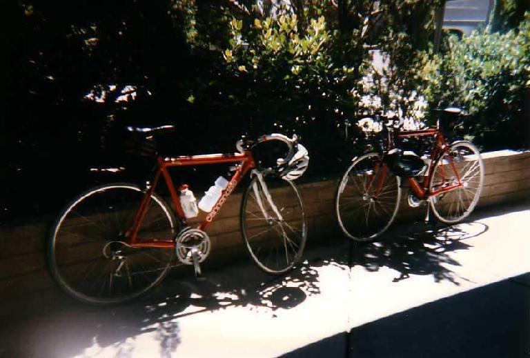 red Cannondale 3.0, red Cannondale 2.8