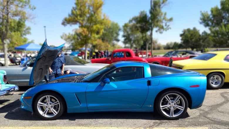 A blue C6 Corvette.