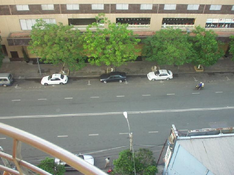 View of the street from outside the Hai Long I Hotel room. (July 6, 2006)