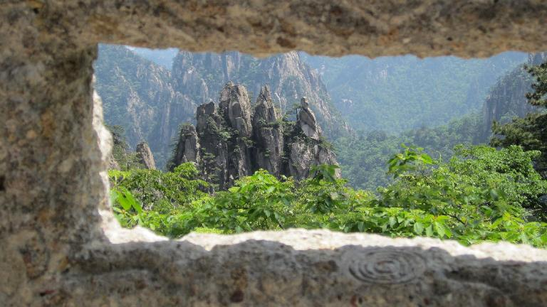 "The ""five fingers"" framed by a stone fence."
