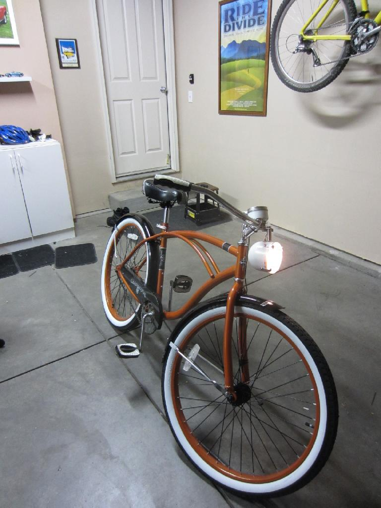 The front 12V, 10W headlamps installed.  I used 9 NiMH AA rechargeable batteries to power this, but I think I will increase this to 10. (August 22, 2012)